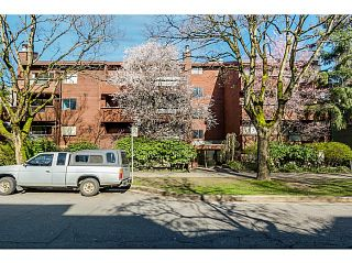 Photo 1: 204 1827 W 3RD Avenue in Vancouver: Kitsilano Condo for sale (Vancouver West)  : MLS®# V1109586