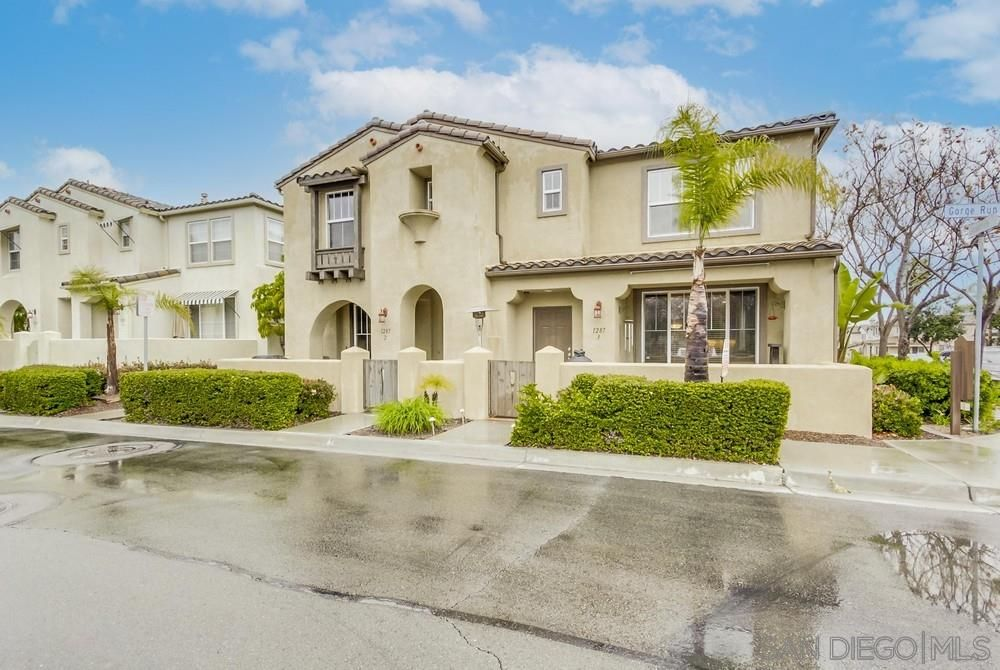 Main Photo: CHULA VISTA Townhouse for sale : 3 bedrooms : 1287 Gorge Run Way #3
