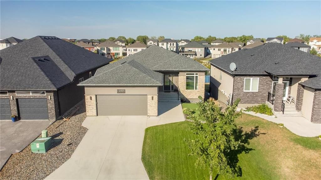 Main Photo: 197 Shady Shores Drive West in Winnipeg: Waterside Estates Residential for sale (2G)  : MLS®# 202120048