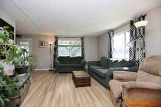 """Photo 2: 48 9960 WILSON Street in Mission: Stave Falls Manufactured Home for sale in """"Ruskin Mobile Home Park"""" : MLS®# R2357468"""
