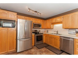 Photo 10: 309 20600 53A AVENUE in Langley: Langley City Condo for sale : MLS®# R2146902