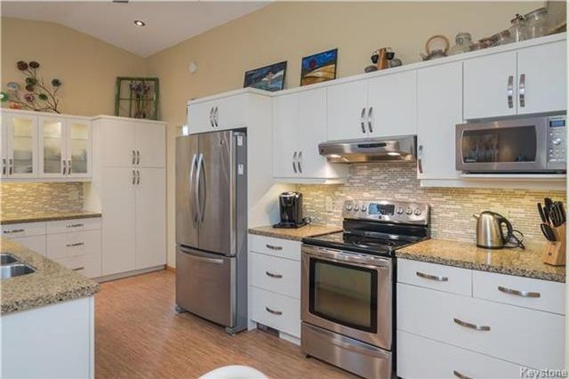 Photo 6: Photos: 67 Bethune Way in Winnipeg: Pulberry Residential for sale (2C)  : MLS®# 1803456
