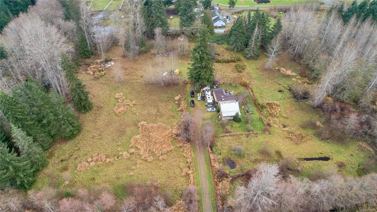 Photo 14: Photos: 8712 N Island Hwy in : CV Merville Black Creek Other for sale (Comox Valley)  : MLS®# 860803
