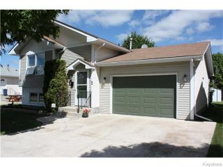 Photo 2: 2 Meadowood Place in Steinbach: Manitoba Other Residential for sale : MLS®# 1620412