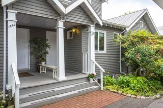 """Photo 31: 1585 BOWSER Avenue in North Vancouver: Norgate Townhouse for sale in """"Illahee"""" : MLS®# R2465696"""