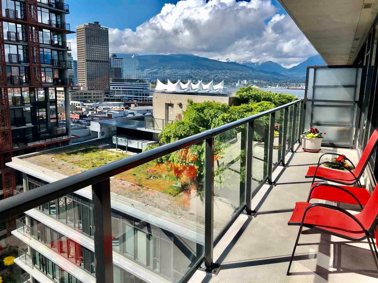 """Main Photo: 1406 108 W CORDOVA Street in Vancouver: Downtown VW Condo for sale in """"WOODWARDS W-32"""" (Vancouver West)  : MLS®# R2578411"""