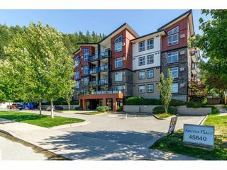 """Photo 1: 405 45640 ALMA Avenue in Sardis: Vedder S Watson-Promontory Condo for sale in """"Ameera Place"""" : MLS®# R2285583"""