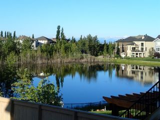 Photo 2: 152 ROCK LAKE View NW in Calgary: Rocky Ridge Detached for sale : MLS®# A1062711