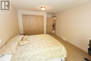 Photo 9: 332 15 Street N in Lethbridge: House for sale : MLS®# A1114555