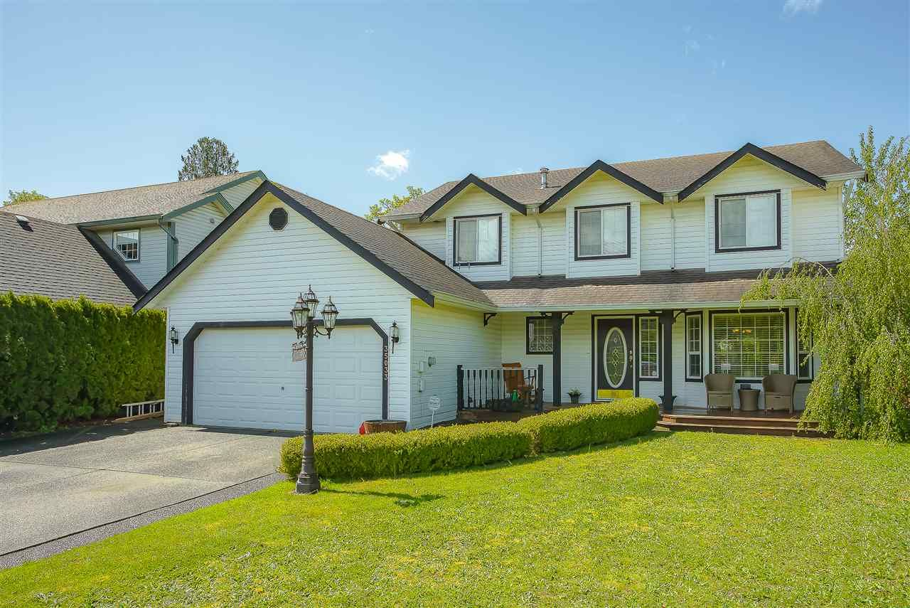 Main Photo: 35033 KOOTENAY Drive in Abbotsford: Abbotsford East House for sale : MLS®# R2452148