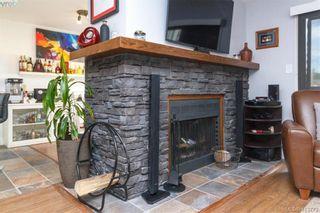 Photo 7: 205 949 Cloverdale Ave in VICTORIA: SE Quadra Condo for sale (Saanich East)  : MLS®# 820581