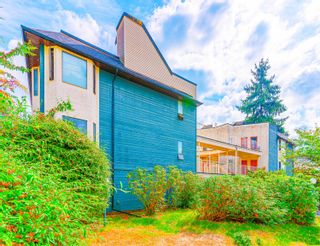 """Photo 3: 6766 DOW Avenue in Burnaby: Metrotown Townhouse for sale in """"CENTREPOINT"""" (Burnaby South)  : MLS®# R2617895"""