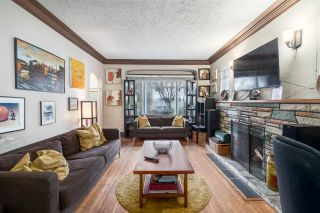 """Photo 2: 2063 NAPIER Street in Vancouver: Grandview VE House for sale in """"Commercial Drive"""" (Vancouver East)  : MLS®# R2124487"""