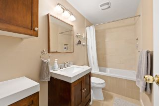 "Photo 12: 915 BRITTON Drive in Port Moody: North Shore Pt Moody Townhouse for sale in ""WOODSIDE VILLAGE"" : MLS®# R2554809"