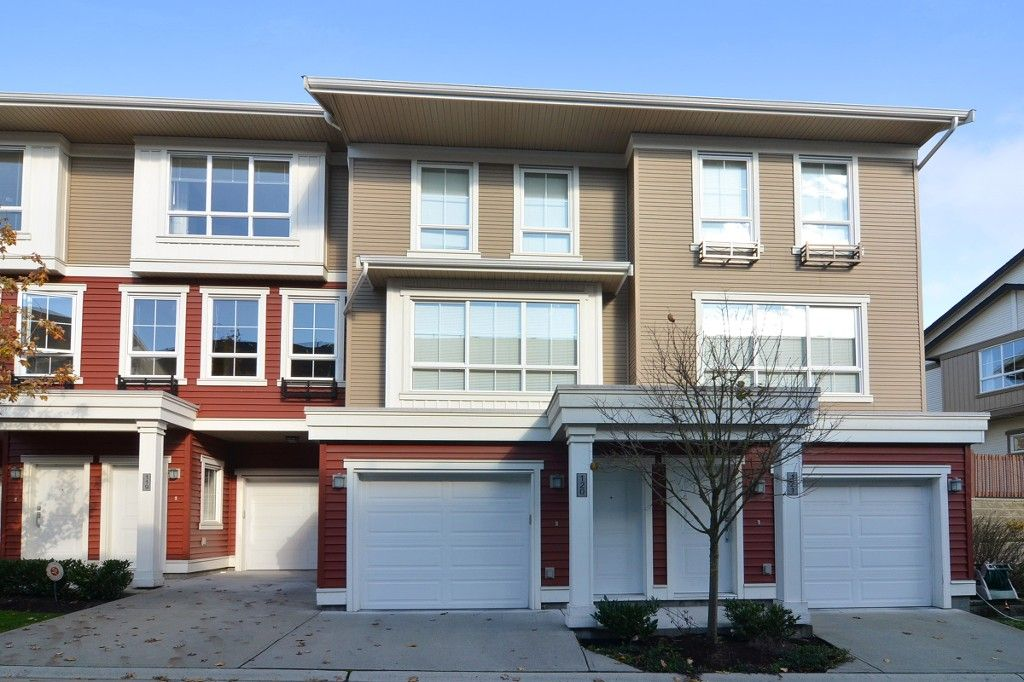 "Main Photo: 120 19505 68A Avenue in Surrey: Clayton Townhouse for sale in ""CLAYTON RISE"" (Cloverdale)  : MLS®# R2014295"