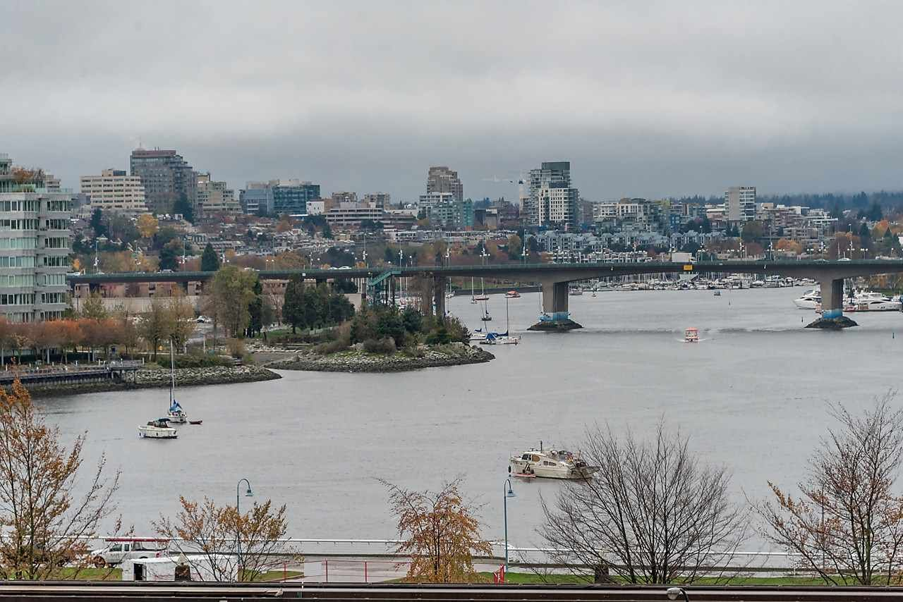 Main Photo: 706 189 NATIONAL AVENUE in Vancouver: Mount Pleasant VE Condo for sale (Vancouver East)  : MLS®# R2119151