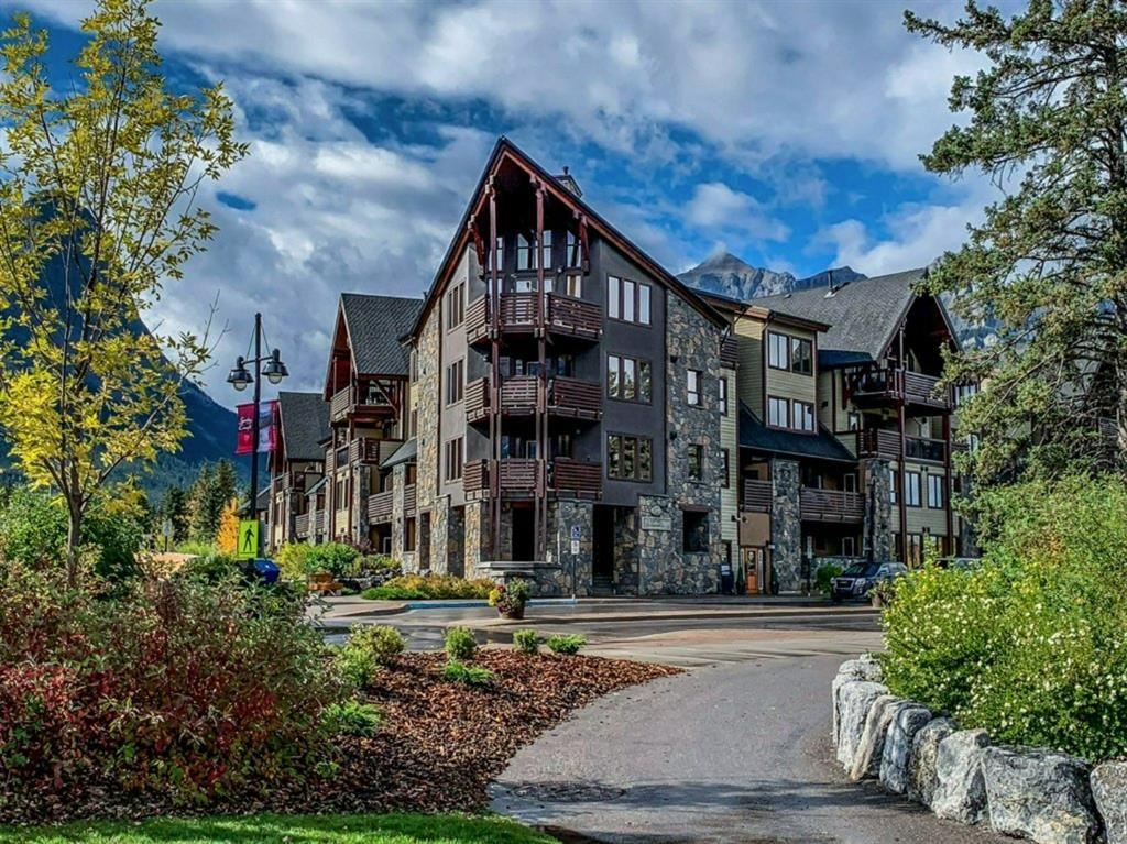Main Photo: 210 379 Spring Creek Drive: Canmore Apartment for sale : MLS®# A1103834