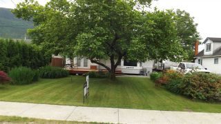 Photo 2: 42012 YARROW CENTRAL Road: Yarrow House for sale : MLS®# R2273264