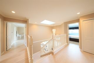 Photo 11: 1415 BRISBANE Avenue in Coquitlam: Harbour Chines House for sale : MLS®# R2544626