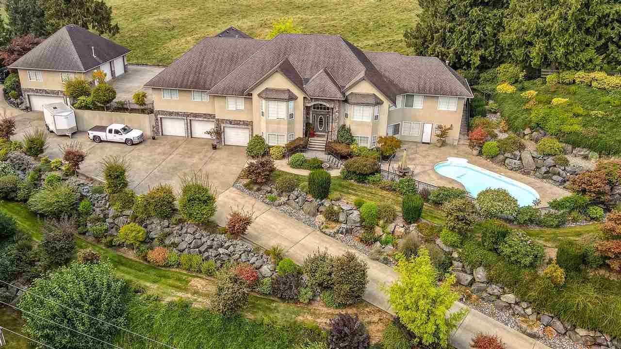 Main Photo: 1507 CLEARBROOK Road in Abbotsford: Poplar House for sale : MLS®# R2544910