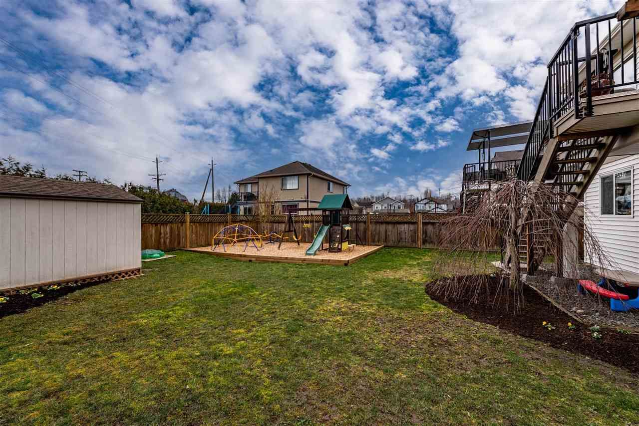 """Photo 36: Photos: 34914 2 Avenue in Abbotsford: Poplar House for sale in """"Huntingdon Village"""" : MLS®# R2548984"""