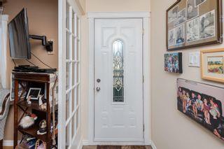 Photo 2: 11707 136 Avenue in Edmonton: Zone 01 House for sale : MLS®# E4266468