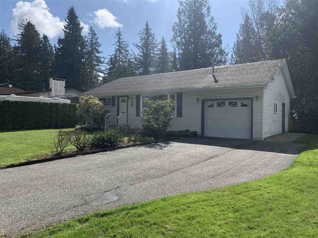 """Main Photo: 34250 GREEN Avenue in Abbotsford: Central Abbotsford House for sale in """"TEN OAKS"""" : MLS®# R2557481"""