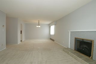 """Photo 4: 203 32040 PEARDONVILLE Road in Abbotsford: Abbotsford West Condo for sale in """"Dogwood Manor"""" : MLS®# R2166027"""