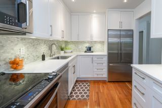 """Photo 15: 102 1266 W 13TH Avenue in Vancouver: Fairview VW Condo for sale in """"Landmark Shaughnessy"""" (Vancouver West)  : MLS®# R2622164"""