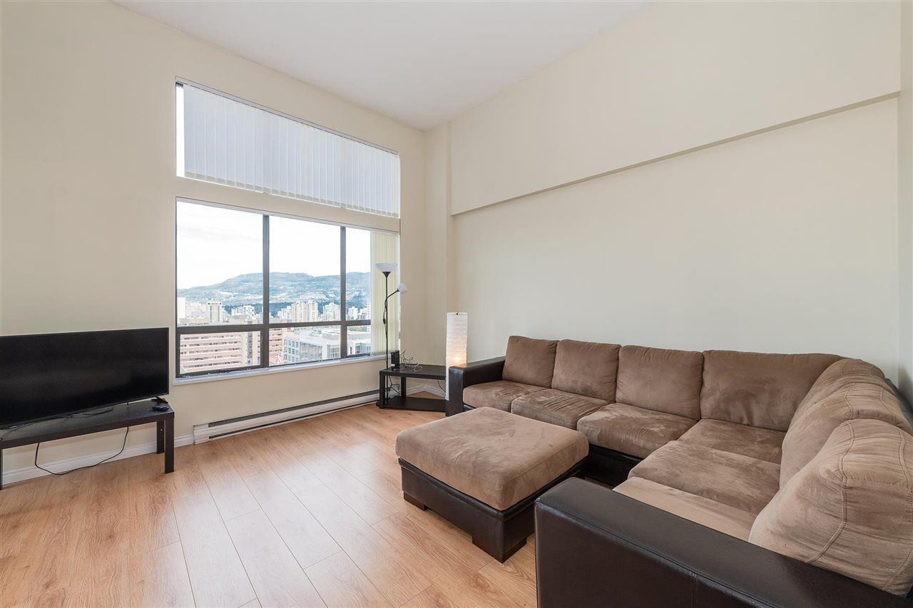 """Photo 6: Photos: PH4 1189 HOWE Street in Vancouver: Downtown VW Condo for sale in """"The Genesis"""" (Vancouver West)  : MLS®# R2513563"""