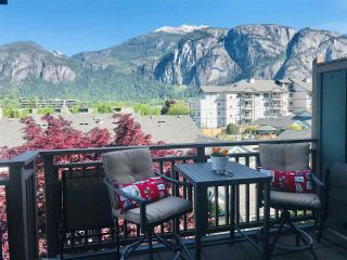 """Photo 2: 201 1174 WINGTIP Place in Squamish: Downtown SQ Townhouse for sale in """"EAGLEWIND TALON CARRIAGE TOWNHOMES"""" : MLS®# R2624425"""