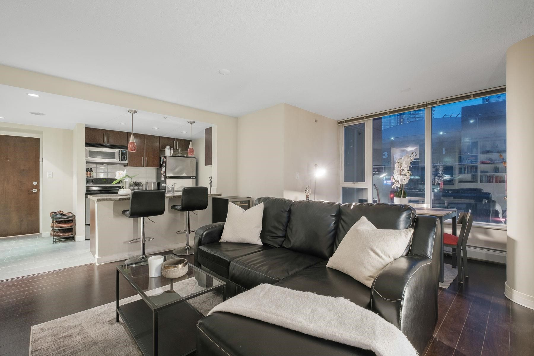 Main Photo: 306 688 ABBOTT STREET in Vancouver: Downtown VW Condo for sale (Vancouver West)  : MLS®# R2602237