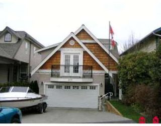 Photo 1: 877 STEVENS ST in White Rock: House for sale : MLS®# F2603375