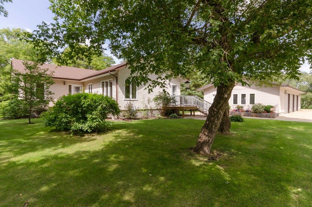 Main Photo: 31035 Garven Road in RM Springfield: Single Family Detached for sale : MLS®# 1611371