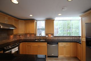 Photo 14:  in : Vancouver West Townhouse for rent : MLS®# AR102