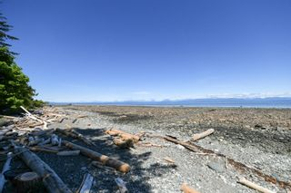 Photo 18: 2267 Seabank Rd in : CV Courtenay North Land for sale (Comox Valley)  : MLS®# 876071