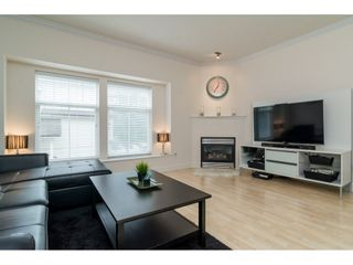 """Photo 3: 7 21535 88 Avenue in Langley: Walnut Grove Townhouse for sale in """"REDWOOD LANE"""" : MLS®# R2178181"""