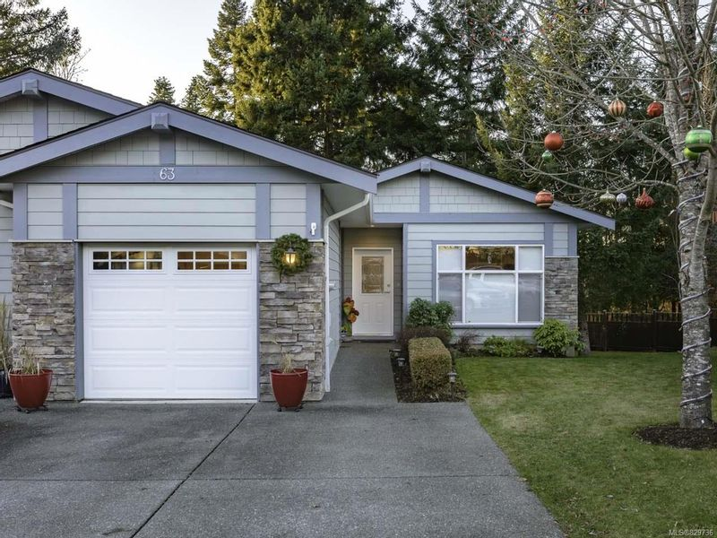 FEATURED LISTING: 63 - 2001 Blue Jay Pl COURTENAY