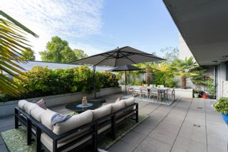 """Photo 2: 227 2008 PINE Street in Vancouver: False Creek Condo for sale in """"MANTRA"""" (Vancouver West)  : MLS®# R2620920"""