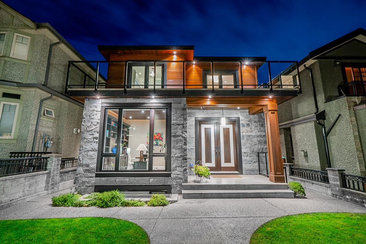 Main Photo: 526 E 53RD Avenue in Vancouver: South Vancouver House for sale (Vancouver East)  : MLS®# R2616601