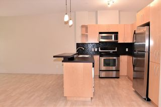 Photo 10: 105 69 SPRINGBOROUGH Court SW in Calgary: Springbank Hill Apartment for sale : MLS®# C4305544
