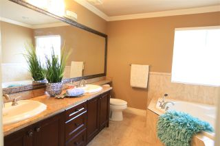 """Photo 13: 16135 111A Avenue in Surrey: Fraser Heights House for sale in """"Fraser Heights"""" (North Surrey)  : MLS®# R2341912"""