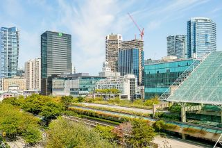 """Photo 18: 702 933 HORNBY Street in Vancouver: Downtown VW Condo for sale in """"Electric Avenue"""" (Vancouver West)  : MLS®# R2603331"""