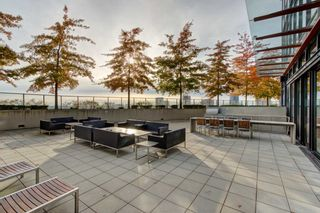 """Photo 17: 2110 128 W CORDOVA Street in Vancouver: Downtown VW Condo for sale in """"WOODWARDS W43"""" (Vancouver West)  : MLS®# R2394432"""