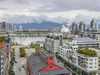"Photo 1: 1603 1783 MANITOBA Street in Vancouver: False Creek Condo for sale in ""The West"" (Vancouver West)  : MLS®# R2308129"