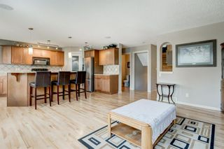 Photo 4: 175 Cougarstone Court SW in Calgary: Cougar Ridge Detached for sale : MLS®# A1130400