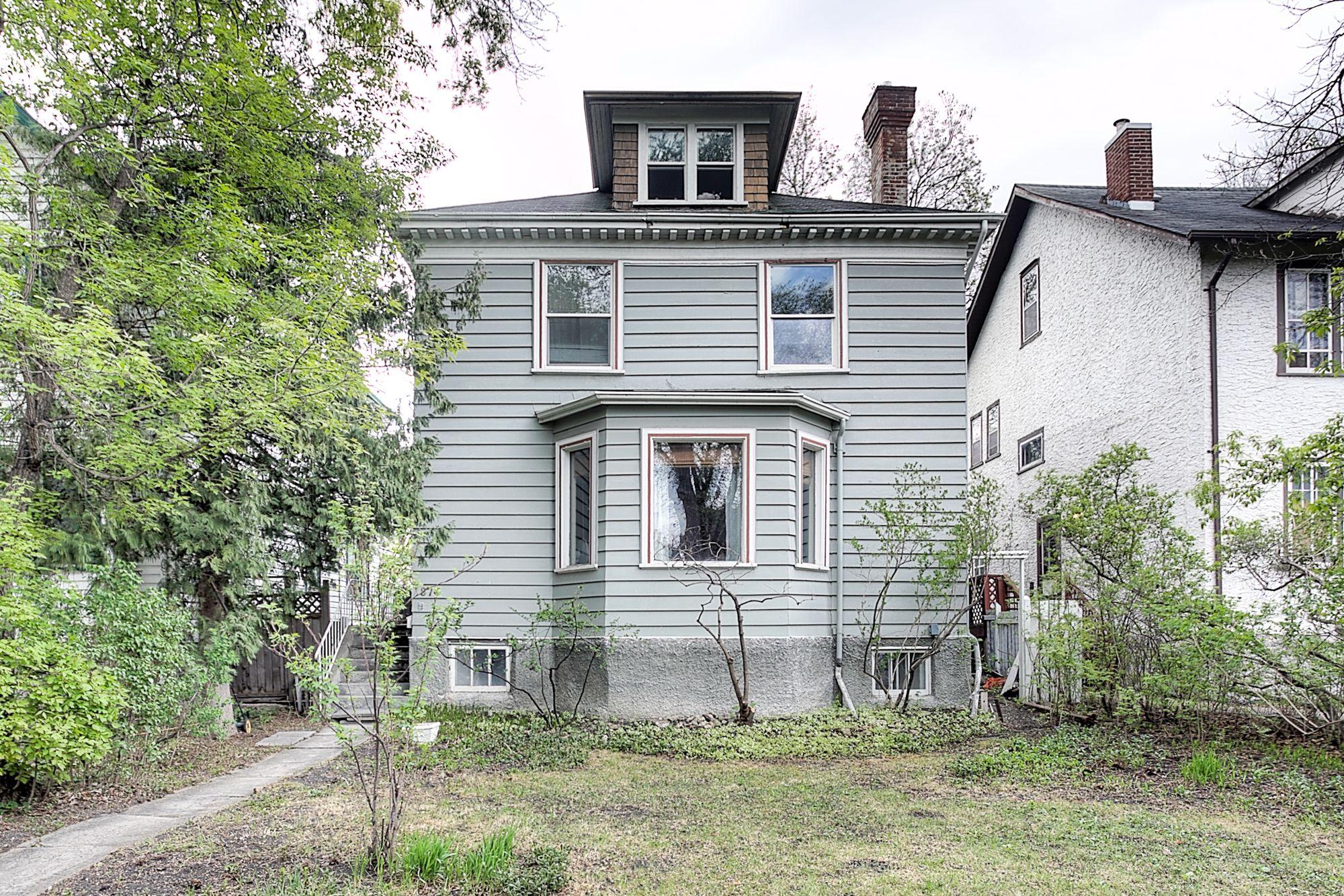 Main Photo: 874 Grosvenor Avenue in Winnipeg: Crescentwood Single Family Detached for sale (1B)  : MLS®# 1813359