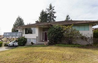 Photo 2: 1708 ST. DENIS ROAD in West Vancouver: Ambleside House for sale : MLS®# R2050310