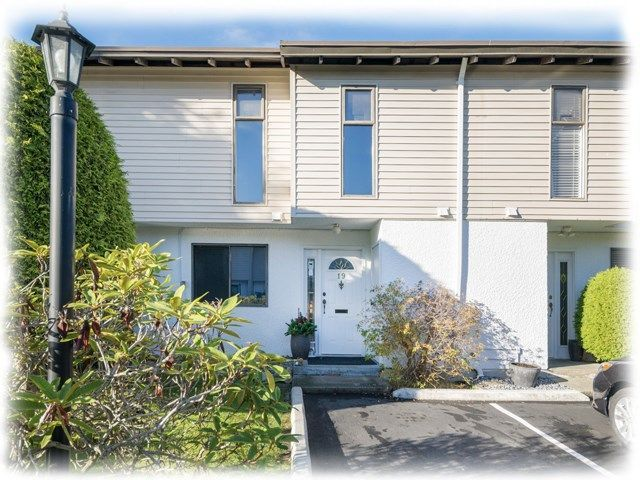 Main Photo: 19 10940 SPRINGMONT DRIVE in Richmond: Steveston North Townhouse for sale : MLS®# R2221393