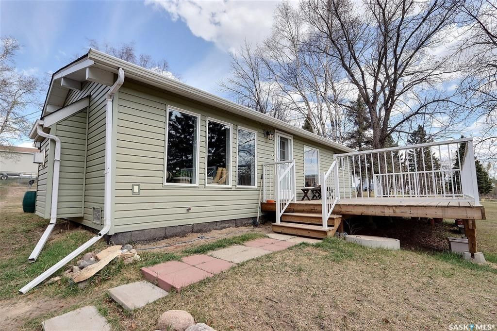 Main Photo: 371 Main Street in Christopher Lake: Residential for sale : MLS®# SK855072
